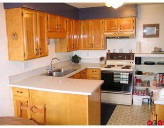 Photo 2: 7693 115TH Street in Delta: Scottsdale Duplex for sale (N. Delta)  : MLS®# F2807525