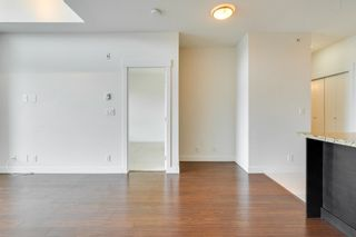 """Photo 4: 412 33539 HOLLAND Avenue in Abbotsford: Central Abbotsford Condo for sale in """"THE CROSSING"""" : MLS®# R2605185"""