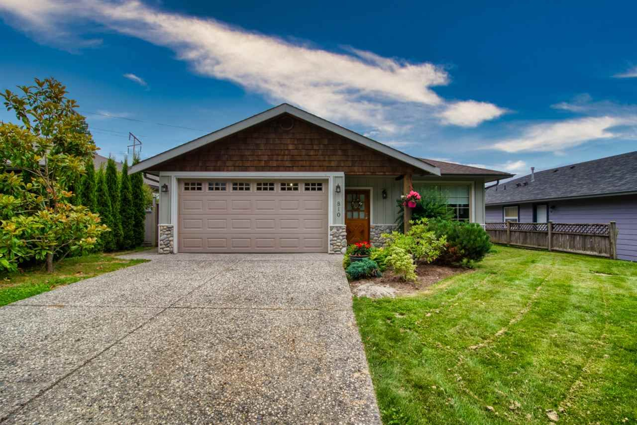 Photo 1: Photos: 810 WIREN Way in Gibsons: Gibsons & Area House for sale (Sunshine Coast)  : MLS®# R2470792
