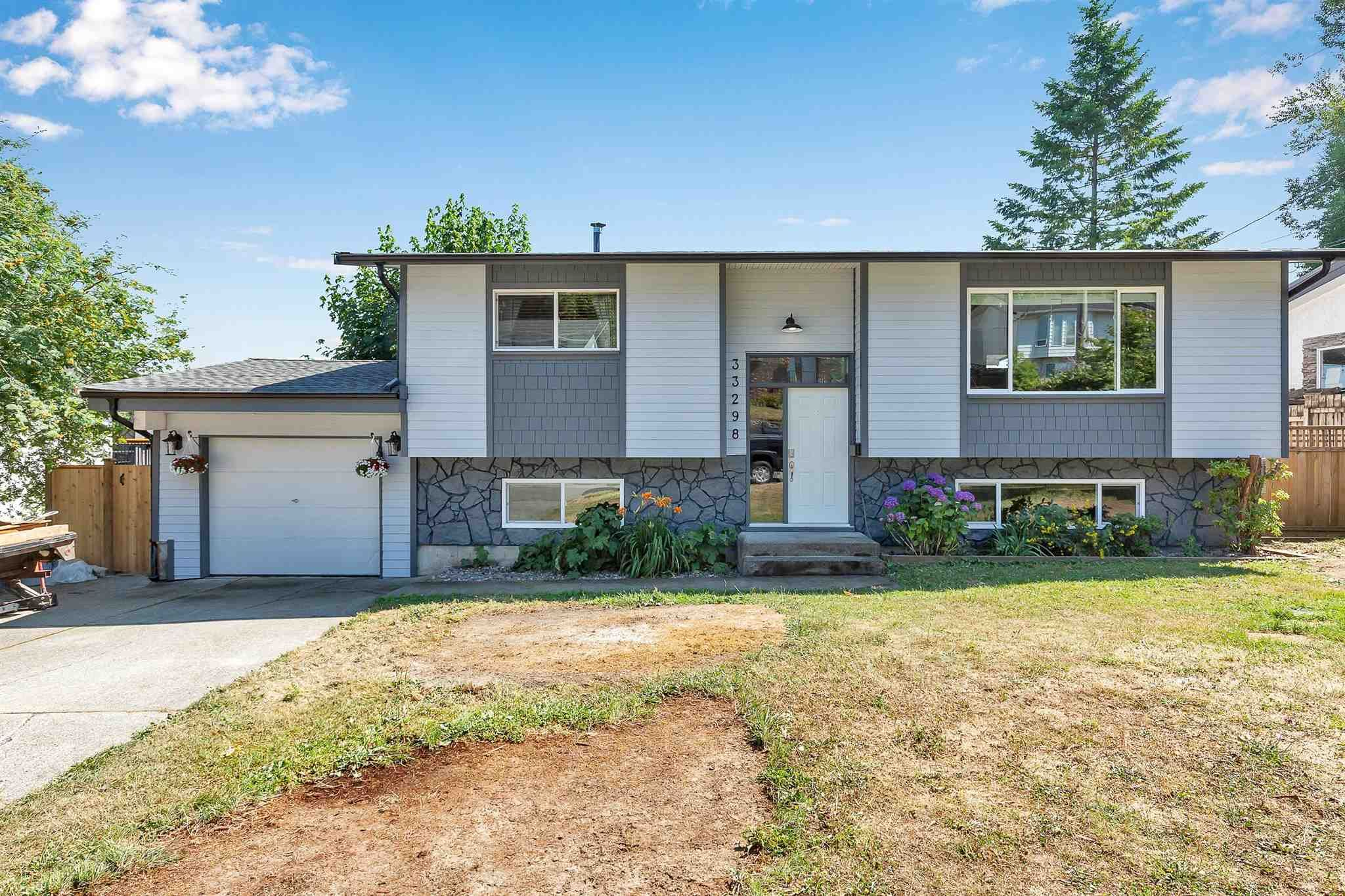 Main Photo: 33298 ROSE Avenue in Mission: Mission BC House for sale : MLS®# R2599616