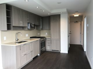 """Photo 2: 2005 5515 BOUNDARY Road in Vancouver: Collingwood VE Condo for sale in """"WALL CENTRE"""" (Vancouver East)  : MLS®# R2168373"""