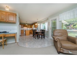 Photo 9: 21093 43 Avenue in Langley: Brookswood Langley House for sale : MLS®# R2088477