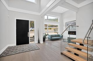 """Photo 10: 3404 MAMQUAM Road in Squamish: University Highlands House for sale in """"University Heights"""" : MLS®# R2508704"""