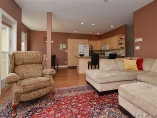 Photo 4: 863 McCallum Rd in VICTORIA: La Florence Lake House for sale (Langford)  : MLS®# 694367