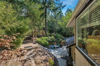 Photo 26: 2258 Trudie Terr in Langford: La Thetis Heights House for sale : MLS®# 884383