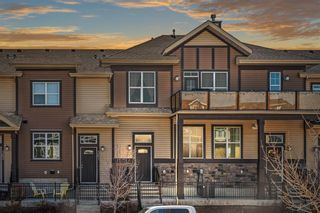 Main Photo: 359 McKenzie Towne Gate SE in Calgary: McKenzie Towne Row/Townhouse for sale : MLS®# A1096093