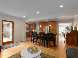 Photo 10: 3940 RUBY Avenue in North Vancouver: Edgemont House for sale : MLS®# R2409872