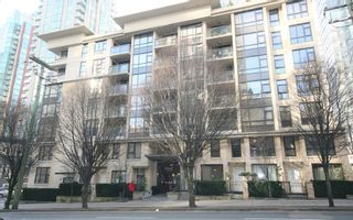 Photo 2: 706 538 Smithe Street in The Mode: Home for sale