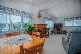 """Photo 9: 102 2303 CRANLEY Drive in Surrey: King George Corridor Manufactured Home for sale in """"SUNNYSIDE ESTATES"""" (South Surrey White Rock)  : MLS®# R2618060"""