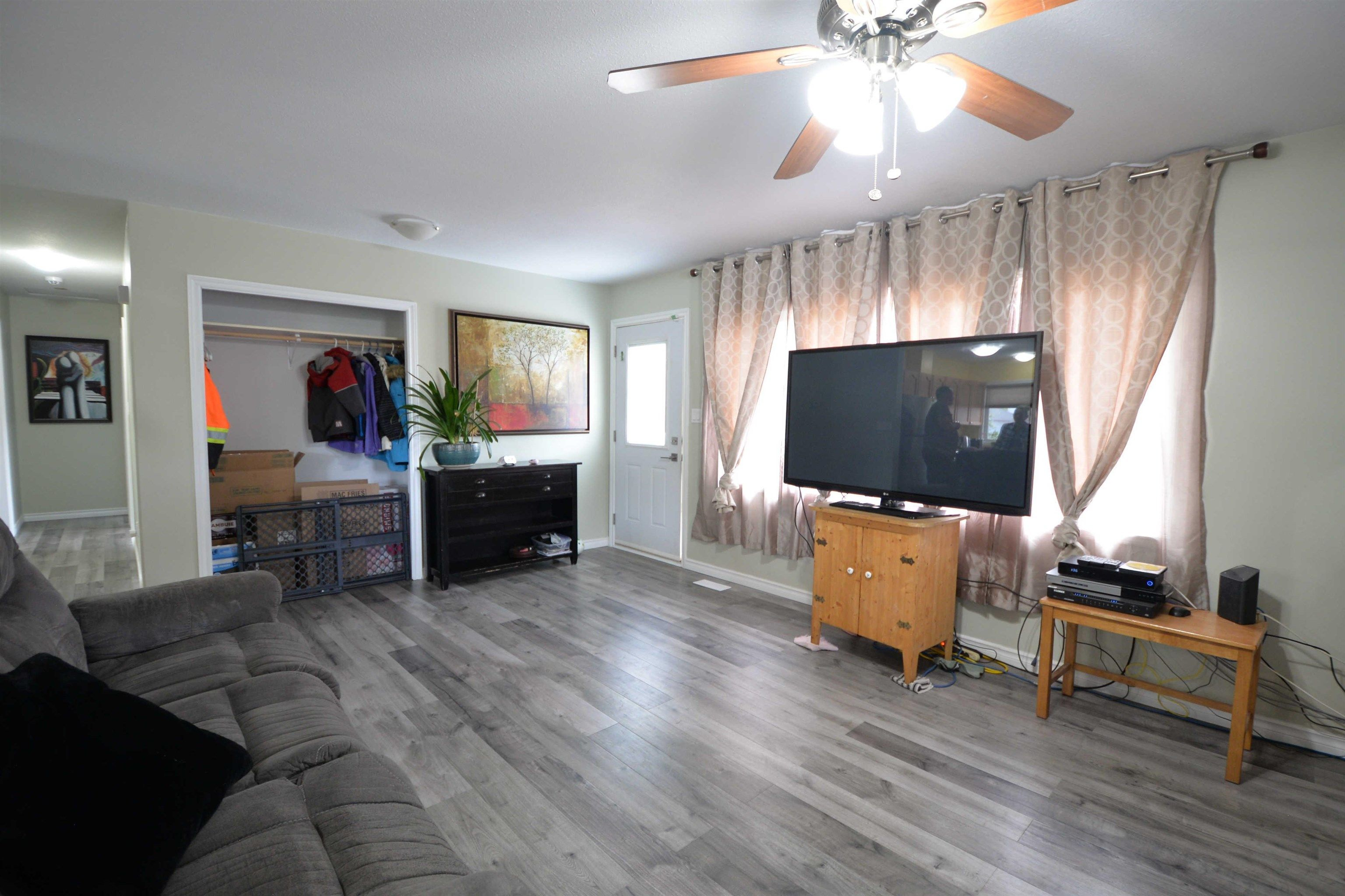 """Photo 8: Photos: 2306 OAK Street in Prince George: VLA House for sale in """"VLA"""" (PG City Central (Zone 72))  : MLS®# R2615261"""