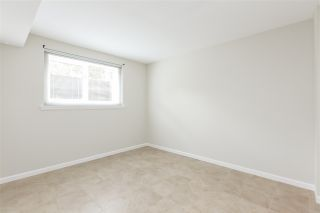 """Photo 18: 1570 BOWSER Avenue in North Vancouver: Norgate Townhouse for sale in """"Illahee"""" : MLS®# R2363126"""