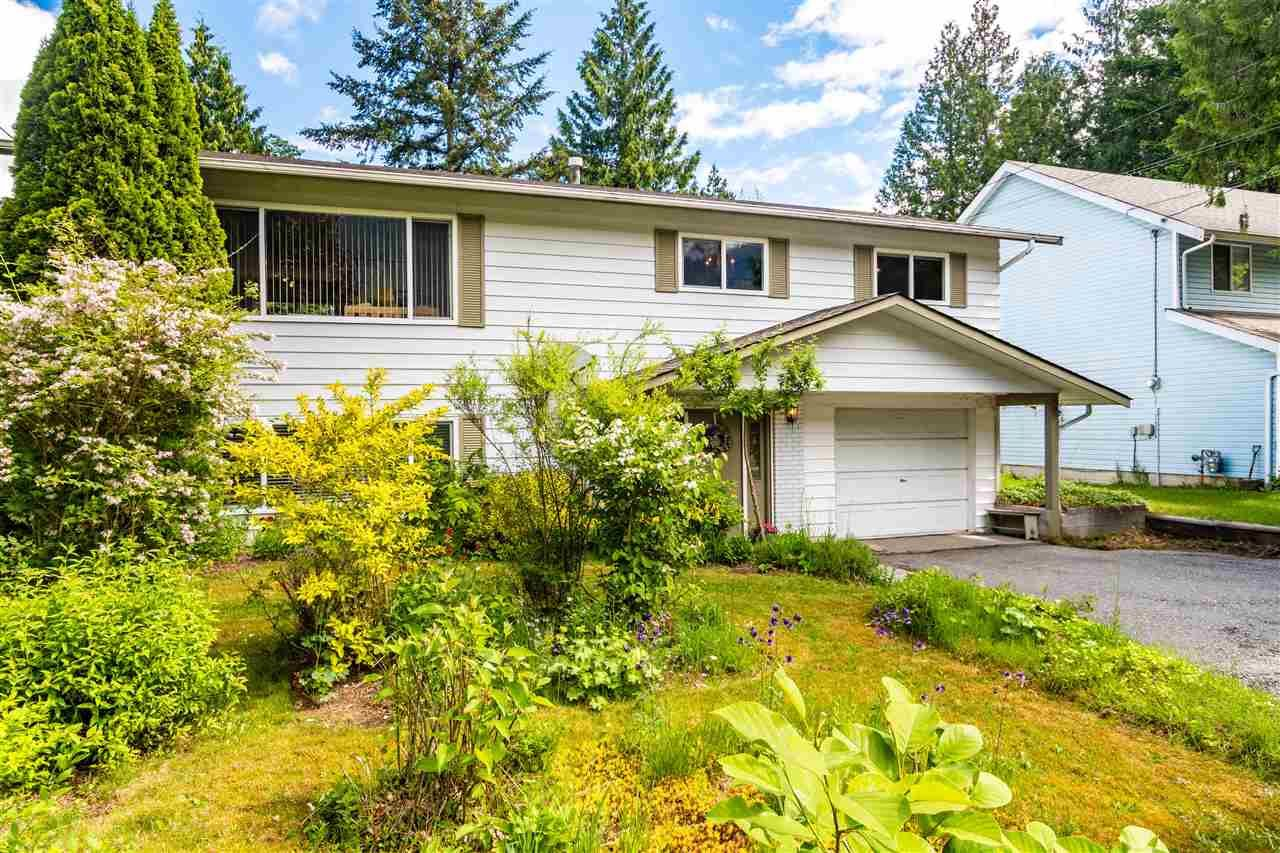 Main Photo: 63691 ROSEWOOD Avenue in Hope: Hope Silver Creek House for sale : MLS®# R2584807