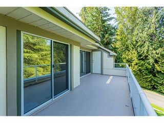 """Photo 32: 18 4001 OLD CLAYBURN Road in Abbotsford: Abbotsford East Townhouse for sale in """"Cedar Springs"""" : MLS®# R2469026"""