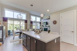 """Photo 12: 27 3103 160 Street in Surrey: Grandview Surrey Townhouse for sale in """"PRIMA"""" (South Surrey White Rock)  : MLS®# R2492808"""