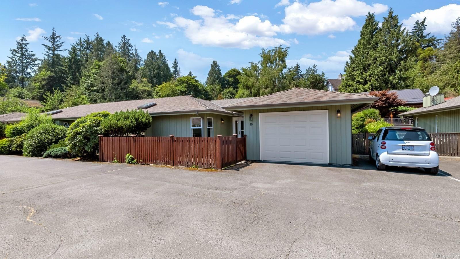 Main Photo: 10 235 Park Dr in : GI Salt Spring Row/Townhouse for sale (Gulf Islands)  : MLS®# 881790