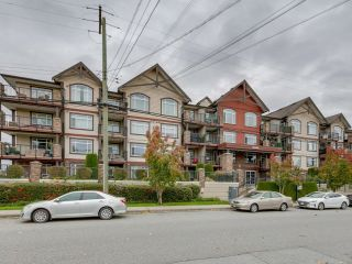 Main Photo: 103 19939 55A Avenue in Langley: Langley City Condo for sale : MLS®# R2629019