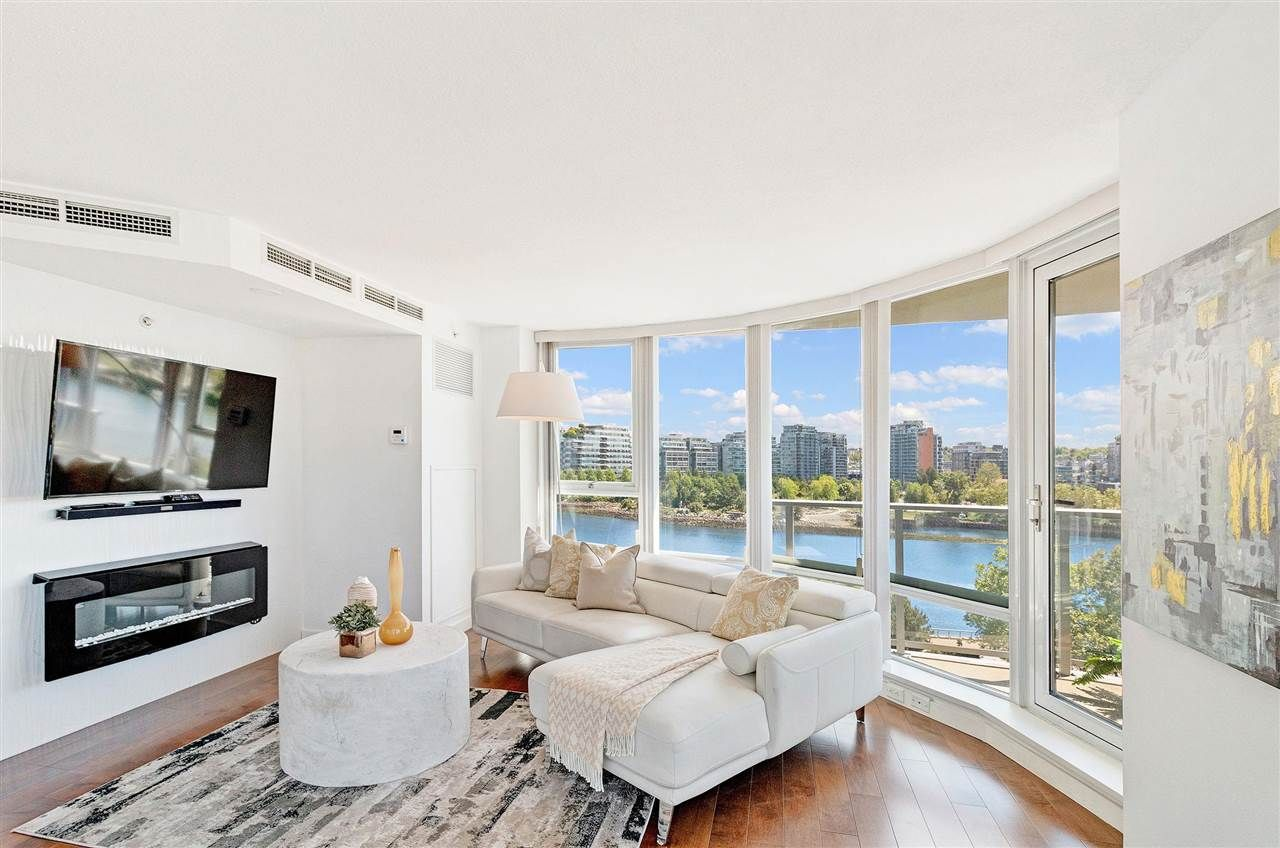 Photo 4: Photos: 806 918 COOPERAGE WAY in Vancouver: Yaletown Condo for sale (Vancouver West)  : MLS®# R2589015