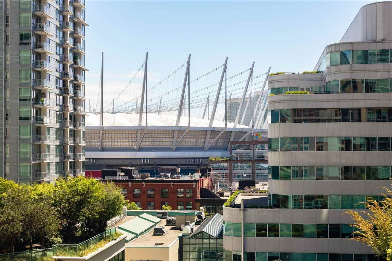 """Photo 3: Photos: 901 867 HAMILTON Street in Vancouver: Downtown VW Condo for sale in """"Jardine's Lookout"""" (Vancouver West)  : MLS®# R2588000"""