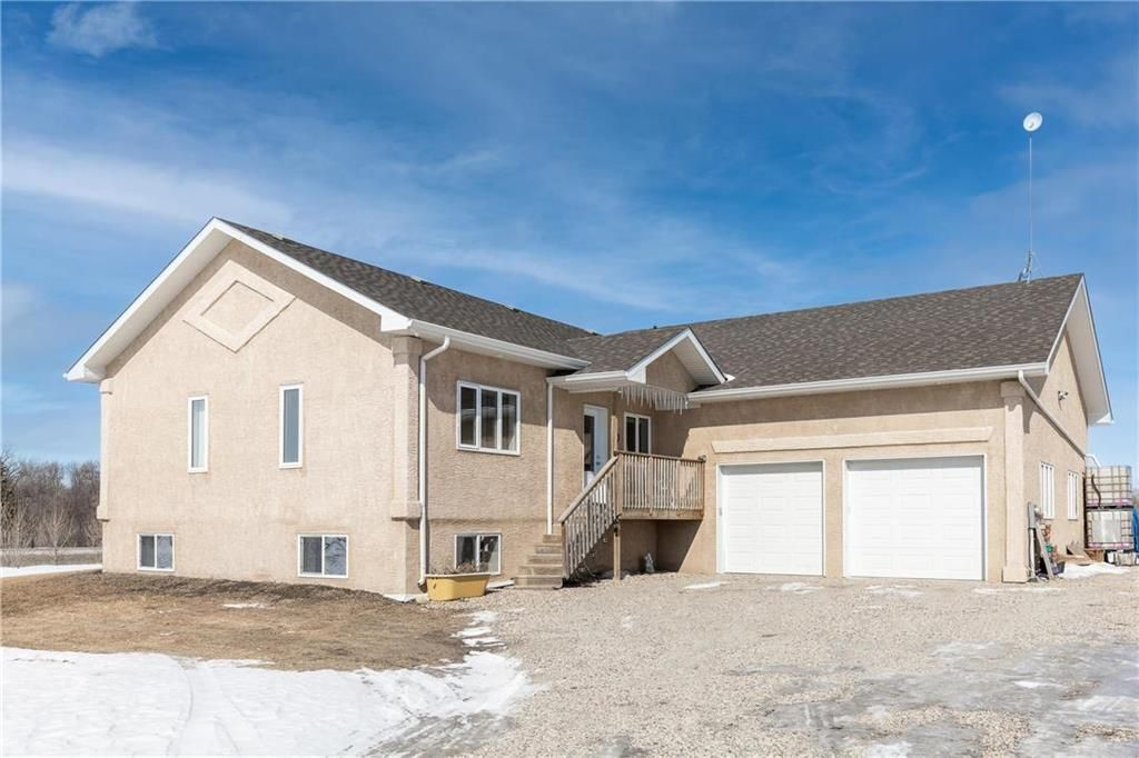 Main Photo: 28007 River Road in Lorette: R05 Residential for sale : MLS®# 202103613
