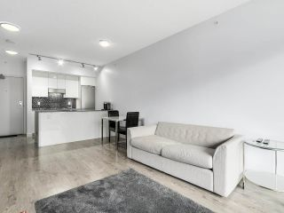 "Photo 1: 510 2788 PRINCE EDWARD Street in Vancouver: Mount Pleasant VE Condo for sale in ""UPTOWN"" (Vancouver East)  : MLS®# R2148686"