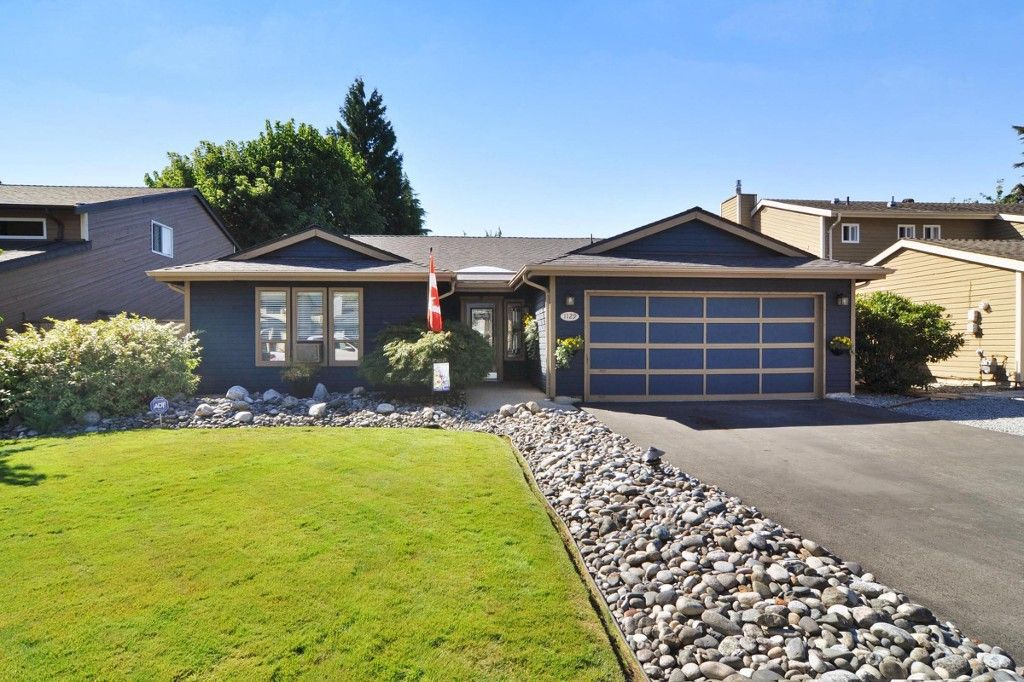 """Main Photo: 1129 CORNWALL Drive in Port Coquitlam: Lincoln Park PQ House for sale in """"LINCOLN PARK"""" : MLS®# R2205146"""