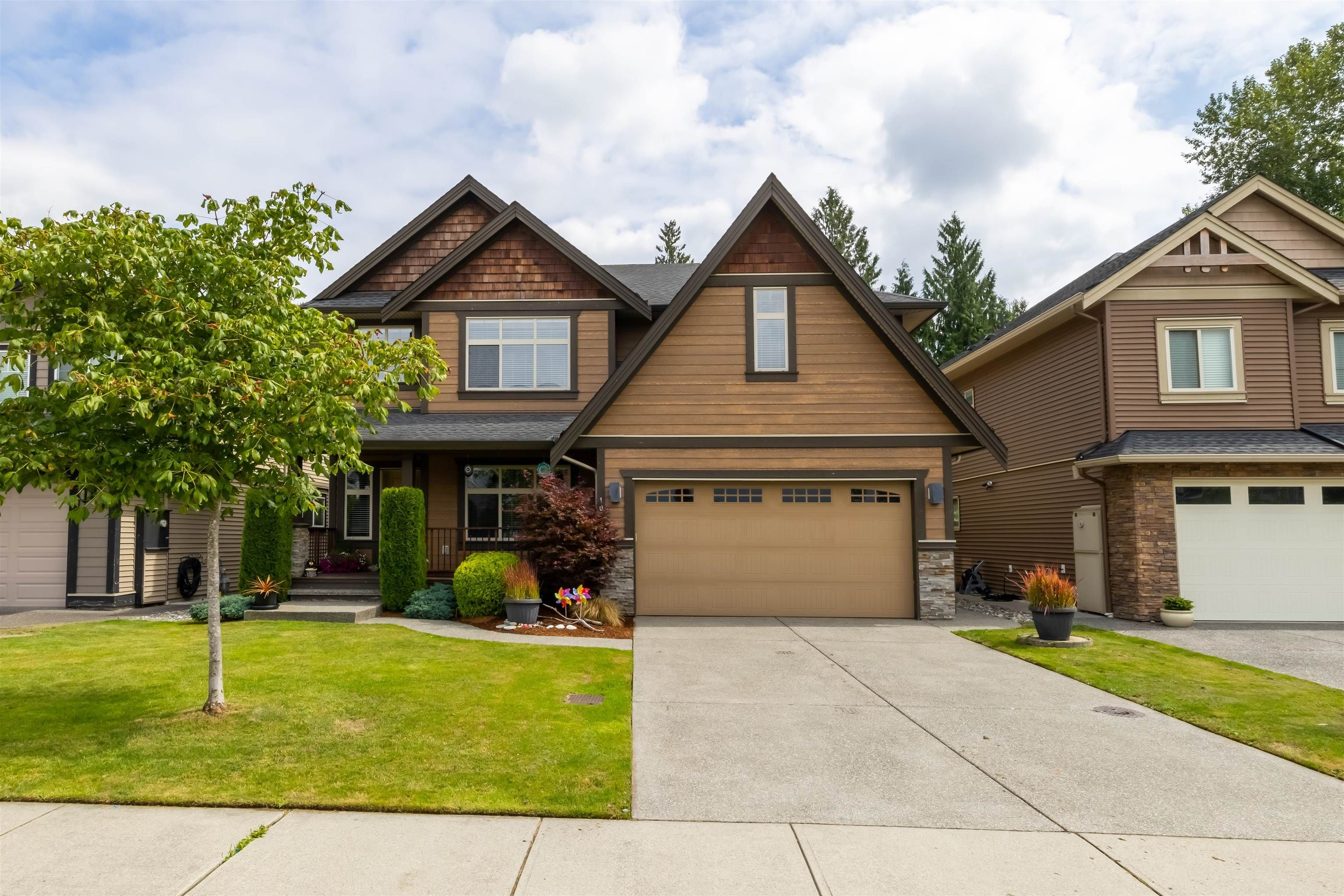 Photo 2: Photos: 10380 SLATFORD Place in Maple Ridge: Albion House for sale : MLS®# R2612387