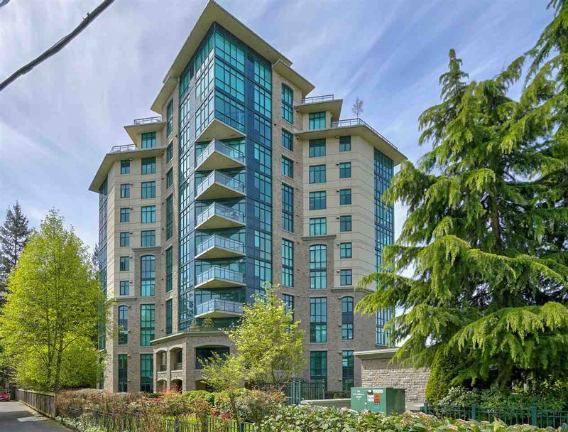 FEATURED LISTING: 403 - 14824 NORTH BLUFF Road White Rock
