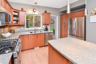 Photo 2: 573 Kingsview Ridge in : La Mill Hill House for sale (Langford)  : MLS®# 879532