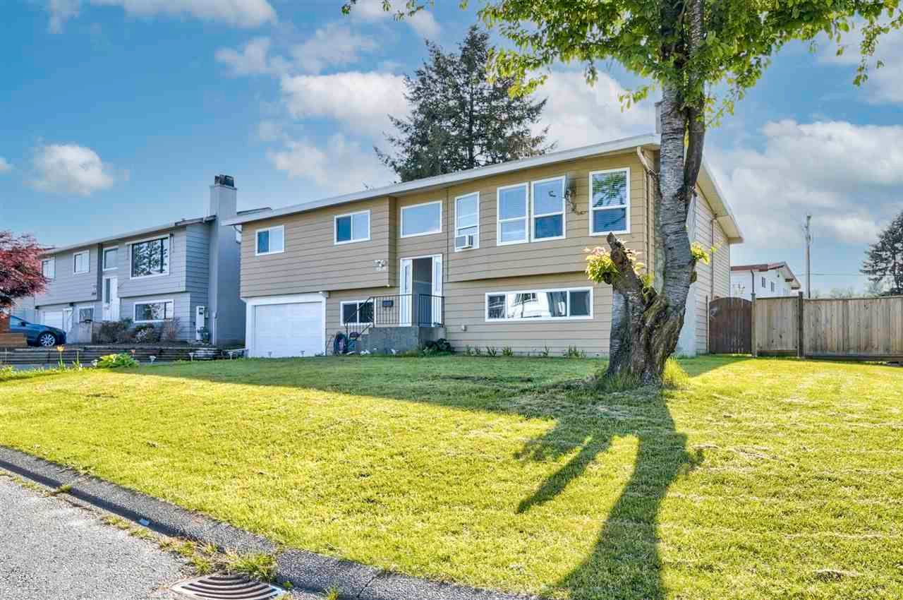 Main Photo: 32028 ASTORIA Crescent in Abbotsford: Abbotsford West House for sale : MLS®# R2579219