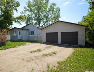 Photo 1: 945 Stadacona Street East in Moose Jaw: Hillcrest MJ Residential for sale : MLS®# SK857131