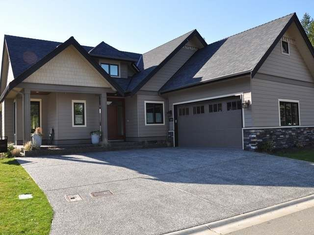 Low Maintenance Exterior and Dramatic Roof Gable Design