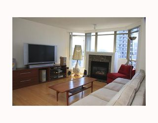 """Photo 3: 2803 867 HAMILTON Street in Vancouver: Downtown VW Condo for sale in """"JARDINE'S LOOKOUT"""" (Vancouver West)  : MLS®# V782664"""