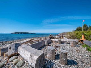 "Photo 19: 5392 WAKEFIELD BEACH LANE Lane in Sechelt: Sechelt District Townhouse for sale in ""WAKEFIELD BEACH"" (Sunshine Coast)  : MLS®# R2351351"