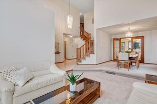 Photo 4: 709 EDGEBANK Place NW in Calgary: Edgemont Detached for sale : MLS®# C4259553