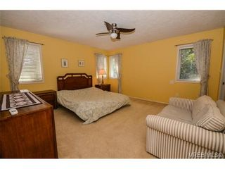 Photo 9: 121 Rockcliffe Pl in VICTORIA: La Thetis Heights House for sale (Langford)  : MLS®# 734804