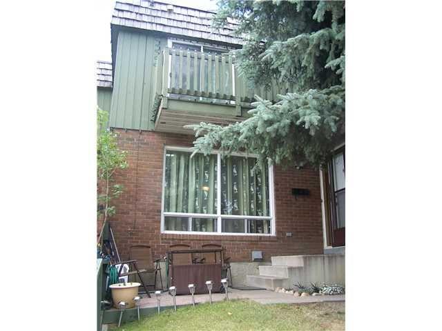 Main Photo: 6 124 SABRINA Way SW in CALGARY: Southwood Townhouse for sale (Calgary)  : MLS®# C3552564