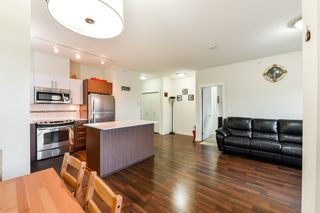 "Photo 7: 301 8733 160 Street in Surrey: Fleetwood Tynehead Condo for sale in ""Manarola"" : MLS®# R2313401"