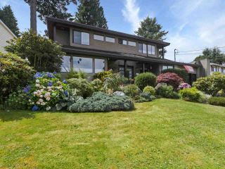 Photo 1: 1059 WALALEE Drive in Delta: English Bluff House for sale (Tsawwassen)  : MLS®# R2480935