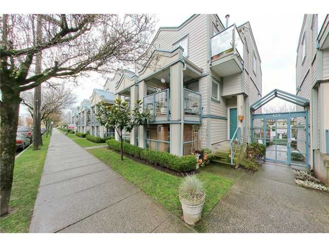 "Main Photo: 105 629 W 7TH Avenue in Vancouver: Fairview VW Condo for sale in ""COURTYARDS"" (Vancouver West)  : MLS®# V938316"