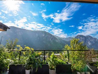 "Photo 5: 2157 CRUMPIT WOODS Drive in Squamish: Plateau House for sale in ""Crumpit Woods"" : MLS®# R2561517"