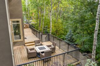 Photo 33: 10 Wentwillow Lane SW in Calgary: West Springs Detached for sale : MLS®# C4294471