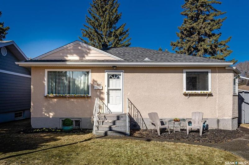 FEATURED LISTING: 2206 York Avenue Saskatoon