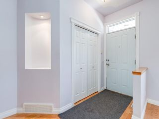 Photo 2: 526 GARRISON Square SW in Calgary: Garrison Woods Row/Townhouse for sale : MLS®# C4292186