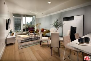 Photo 2: 427 W 5th Street Unit 2401 in Los Angeles: Residential Lease for sale (C42 - Downtown L.A.)  : MLS®# 21782876
