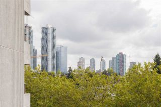 """Photo 27: 606 4194 MAYWOOD Street in Burnaby: Metrotown Condo for sale in """"Park Avenue Towers"""" (Burnaby South)  : MLS®# R2493615"""