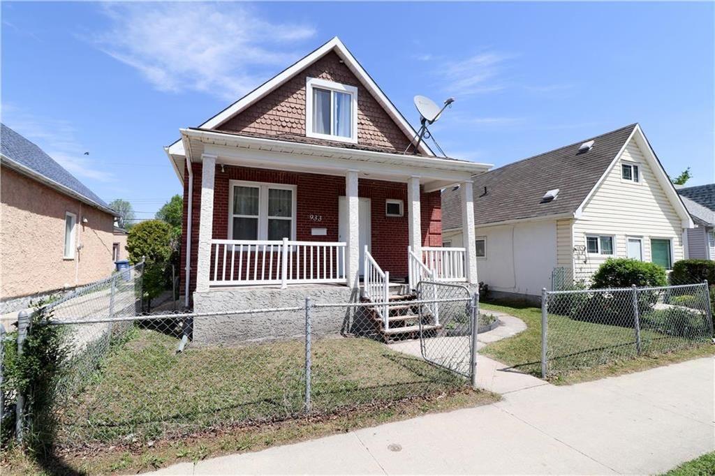 Main Photo: 933 Burrows Avenue in Winnipeg: Residential for sale (4B)  : MLS®# 202113958