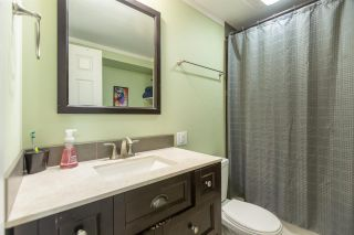 """Photo 19: 74 1840 160 Street in Surrey: King George Corridor Manufactured Home for sale in """"Breakaway Bays"""" (South Surrey White Rock)  : MLS®# R2431476"""