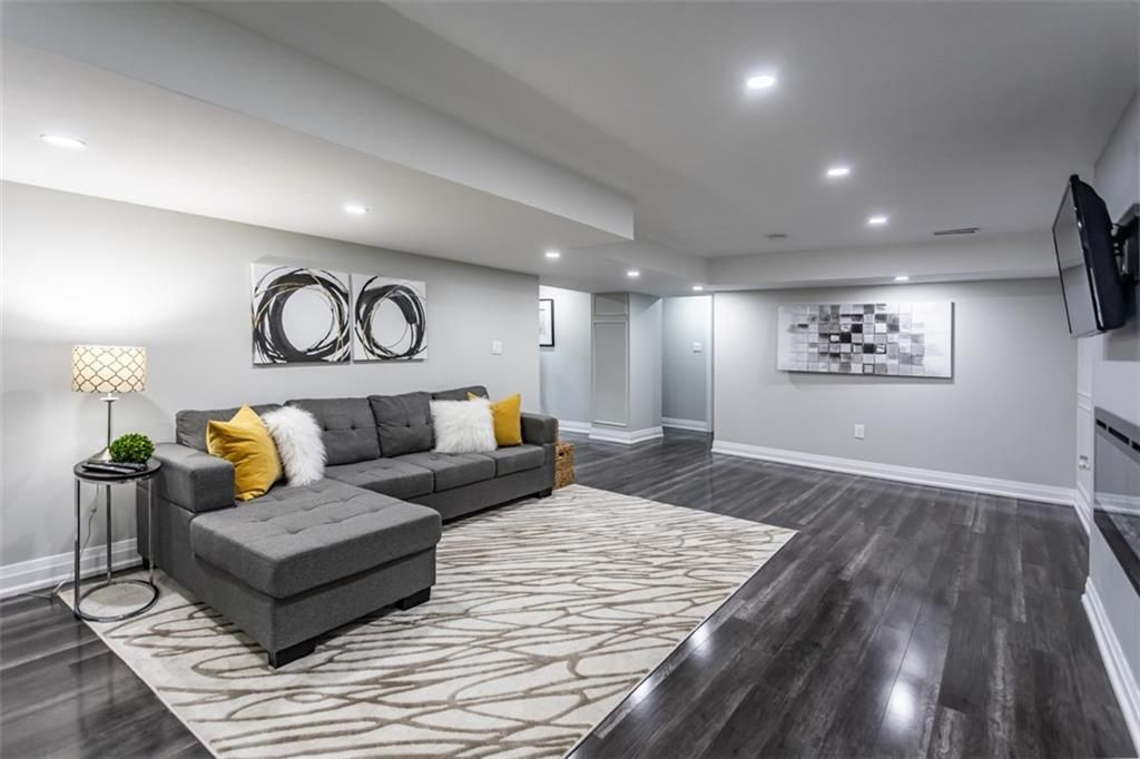 Photo 15: Photos: 2221 COURTLAND Drive in Burlington: Residential for sale : MLS®# H4084353
