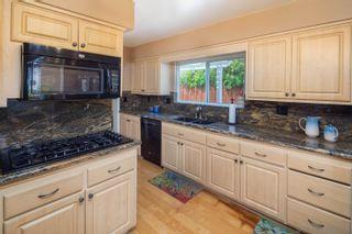 Photo 13: DEL CERRO House for sale : 4 bedrooms : 7278 Viar Avenue in San Diego