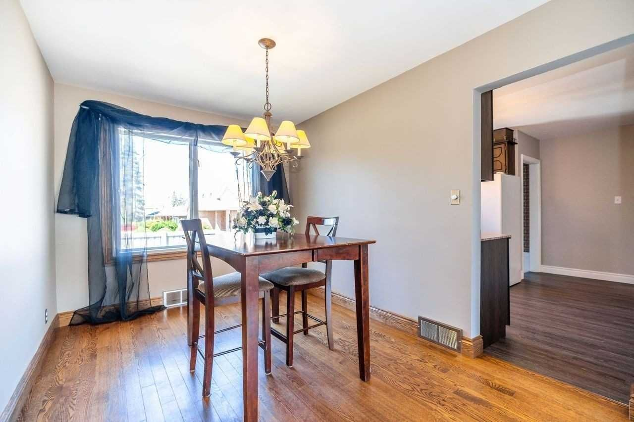 Photo 14: Photos: 26 East Lawn Street in Oshawa: Donevan House (Bungalow) for sale : MLS®# E4818284